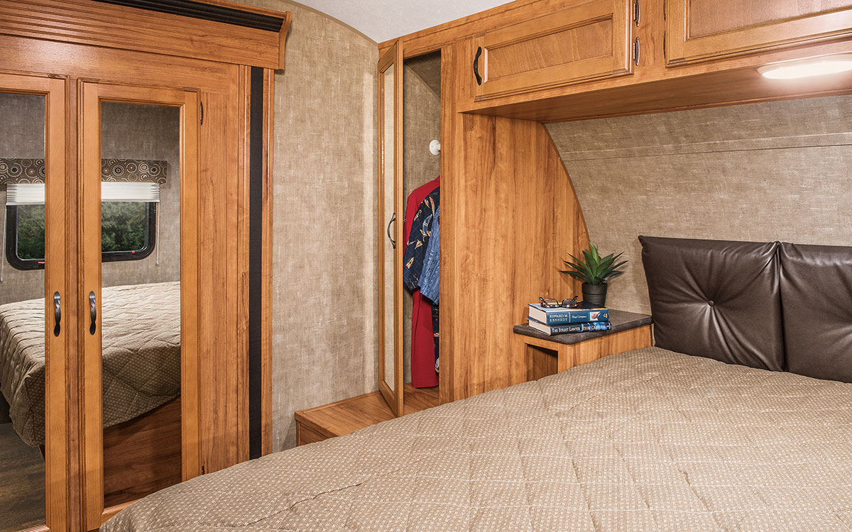 ... 2016 K Z RV Spree Connect C321RKS Travel Trailer Bedroom Cabinets ...