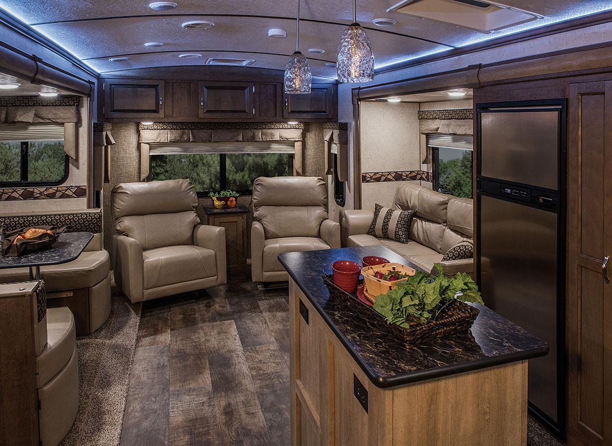 2016 spree 320bs lightweight travel trailer k z rv for Rv outdoor decorating ideas