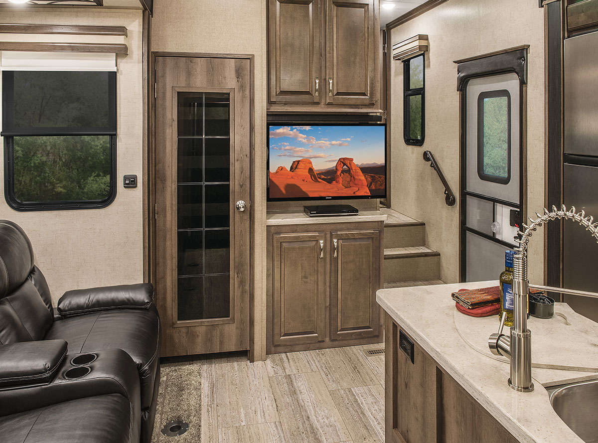 2016 Venom V3311tq Luxury Fifth Wheel Toy Hauler Kz Rv
