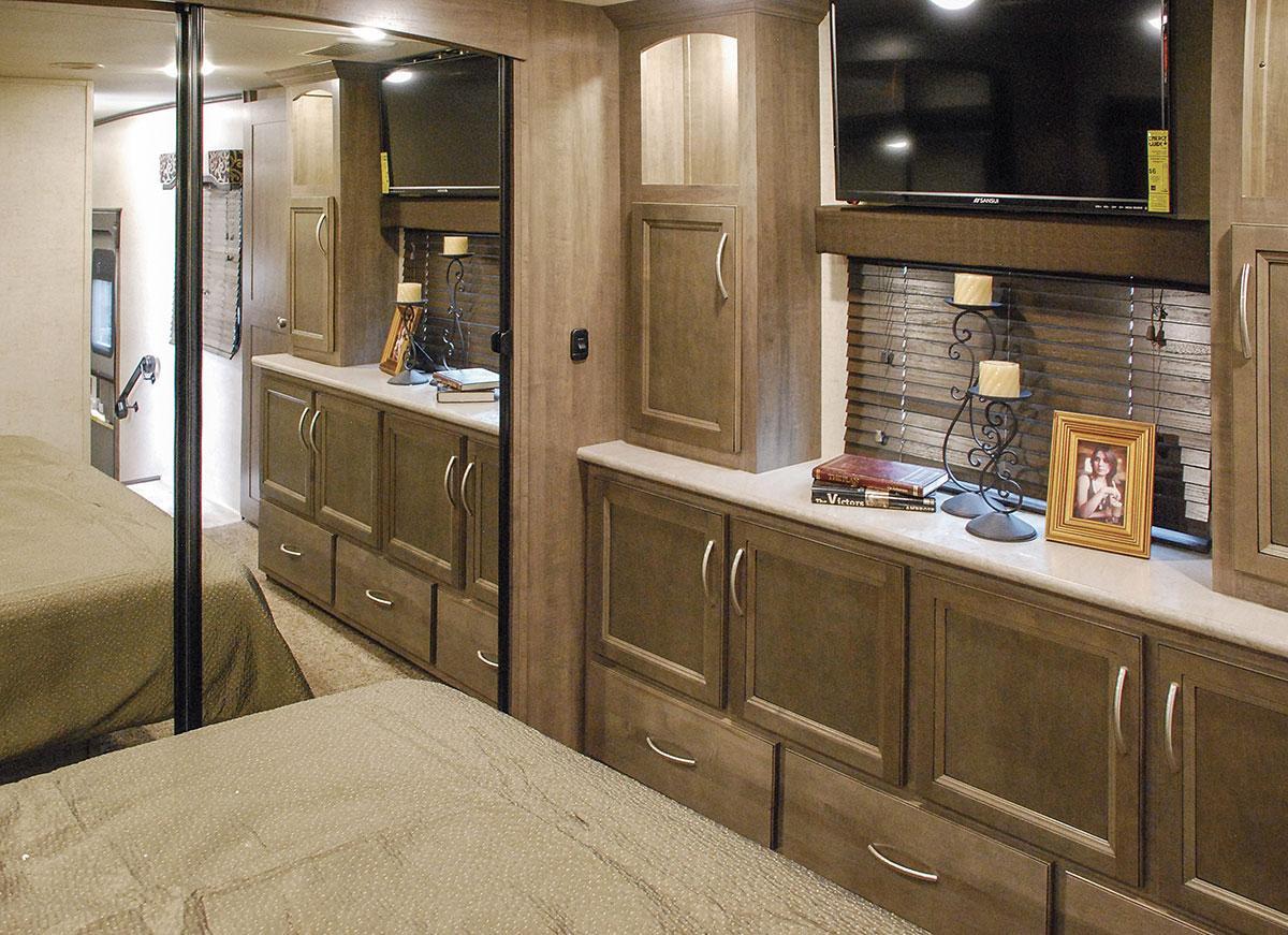 2017 Durango Gold G353rkt Fulltime Luxury Fifth Wheel Kz Rv