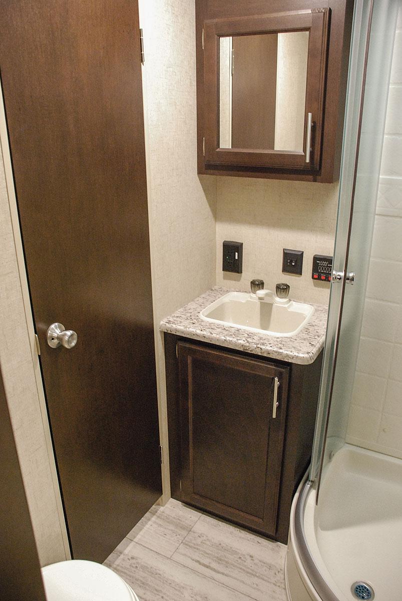 ... 2017 KZ RV Sportsmen 333BHK Travel Trailer Bathroom