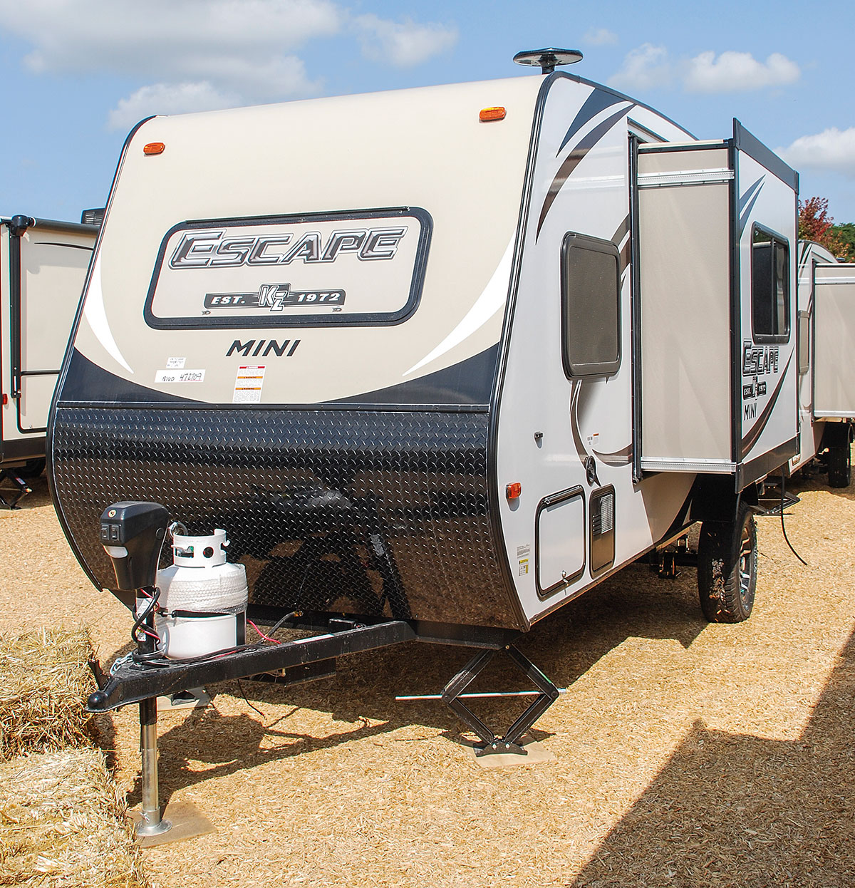 Travel Trailers With Outdoor Kitchens: Escape Mini M181UD Ultra Lightweight Travel Trailer
