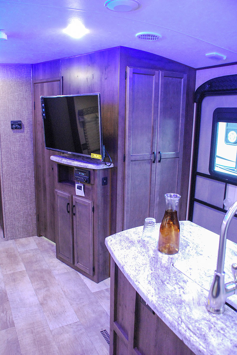 Kz Travel Trailers >> Spree S333BHK Luxury Lightweight Travel Trailer | K-Z RV