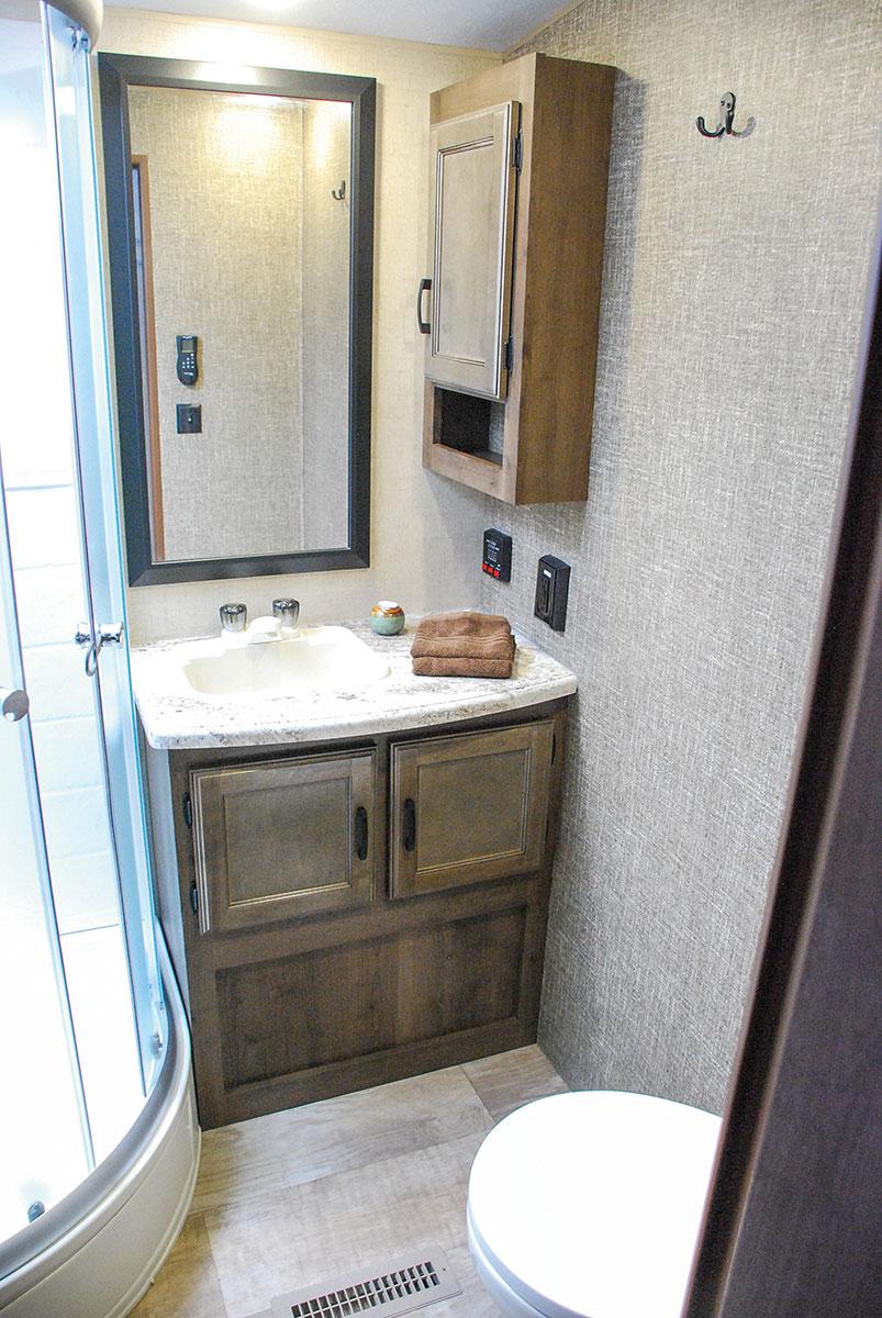 Spree s333rli luxury lightweight travel trailer k z rv for Travel trailer bathroom ideas