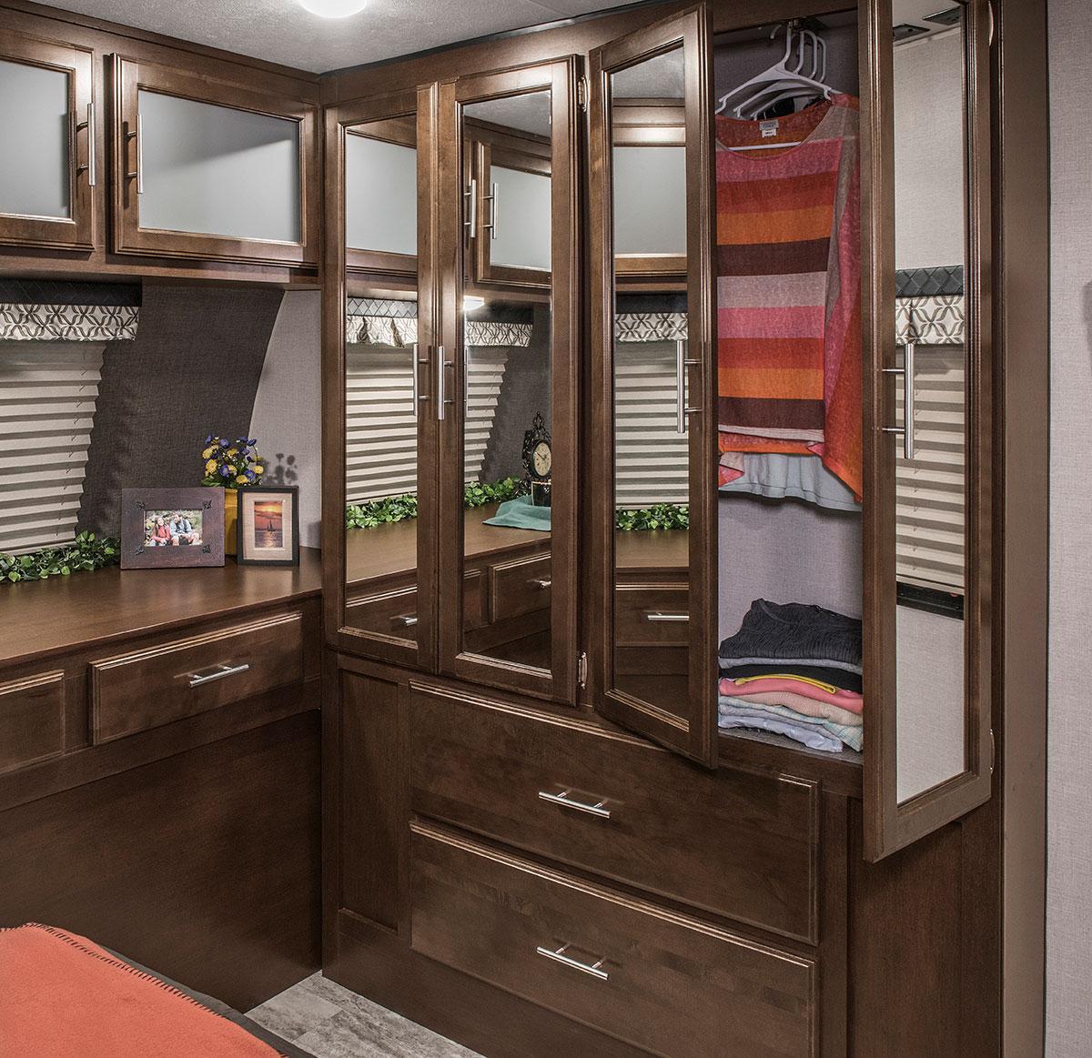 2018 Spree S333rlf Luxury Lightweight Travel Trailer Kz Rv