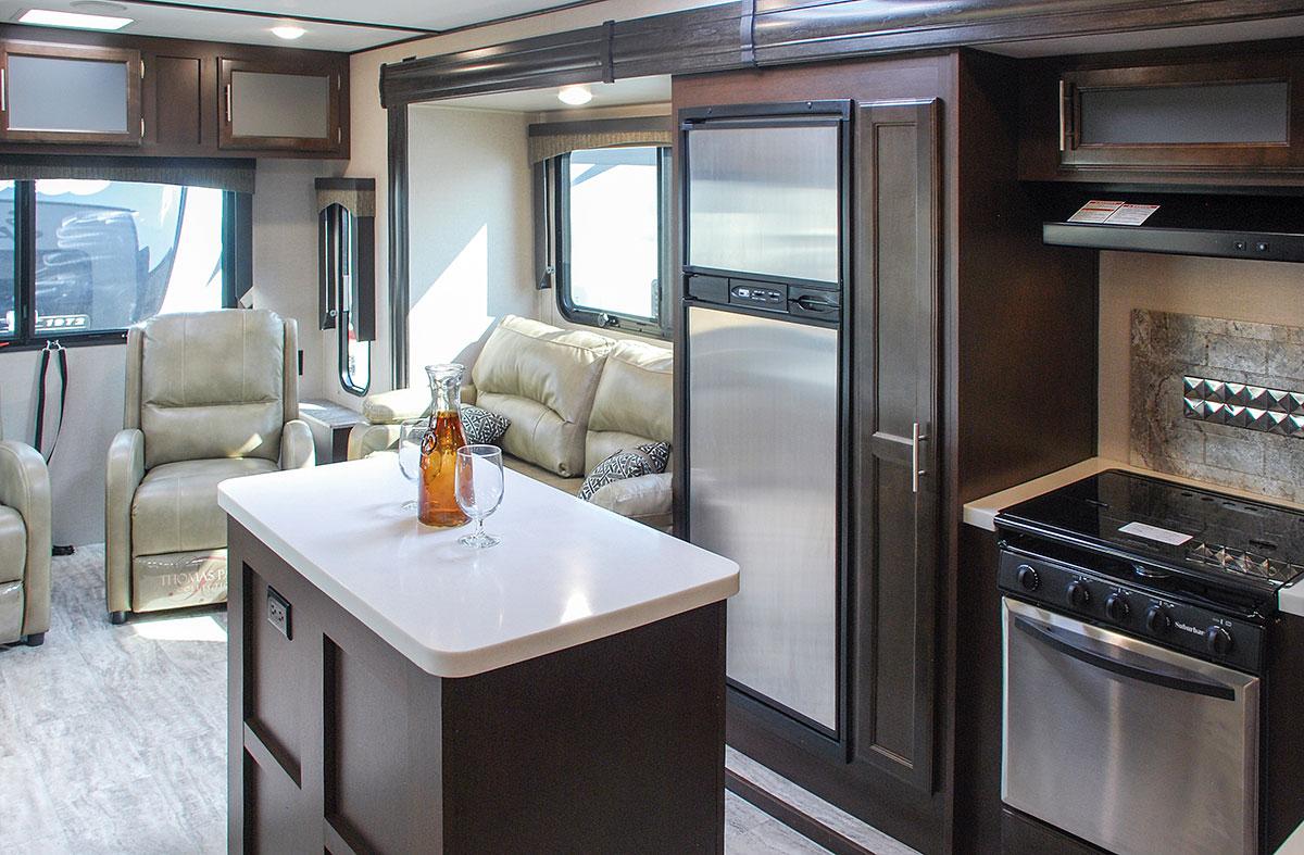2018 K Z RV Spree S333RLF Travel Trailer Kitchen ...